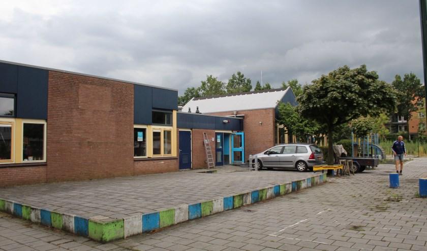 De eerste antikraakbewoners zijn deze week in het leegstaande schoolgebouw aan de Televisiebaan getrokken. Maar aan hen ligt het niet. (Foto: Lysette Verwegen)