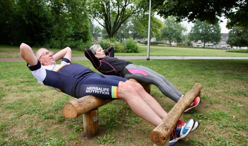 De natuurlijke 'fittoestellen' nodigen mensen uit om bewuster te gaan bewegen en eten, aldus leefstijlcoach Johan Kuipers.