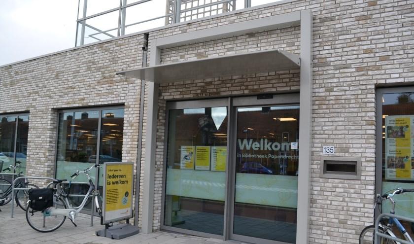 De bibliotheek in Papendrecht. (foto: Arco van der Lee)