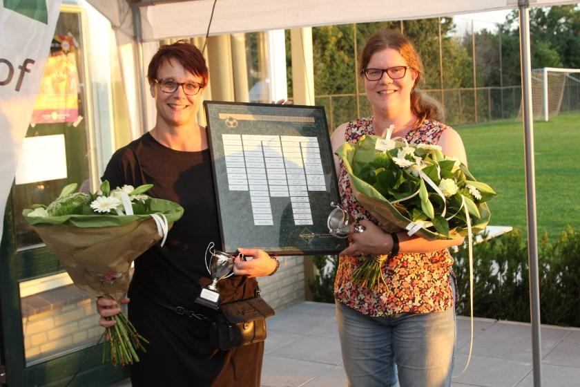 Vrijwilligers van het jaar: Marieke Roelofs en Nicole Gieling.