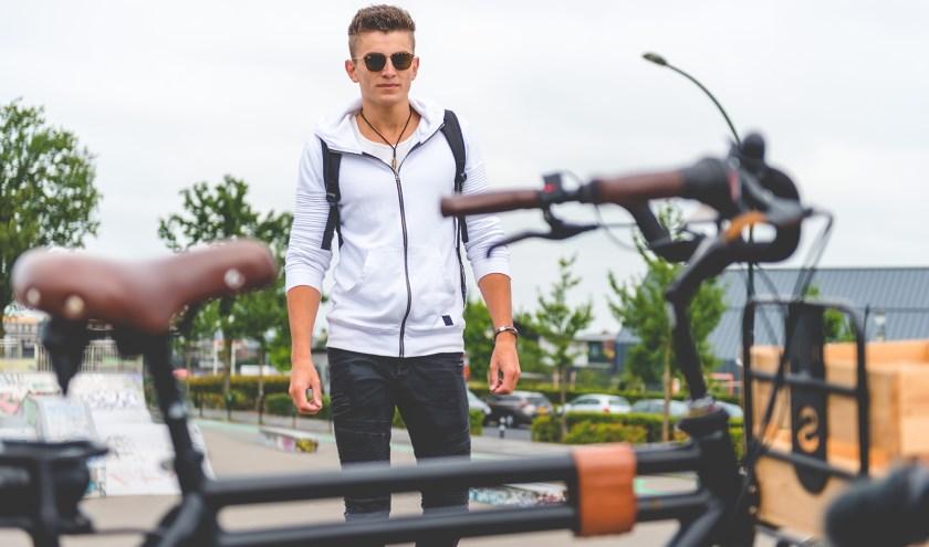 De belangstelling voor een e-bike neemt flink toe ziet Rob Hilgersom van Profile in Rijswijk (foto Stella fietsen)