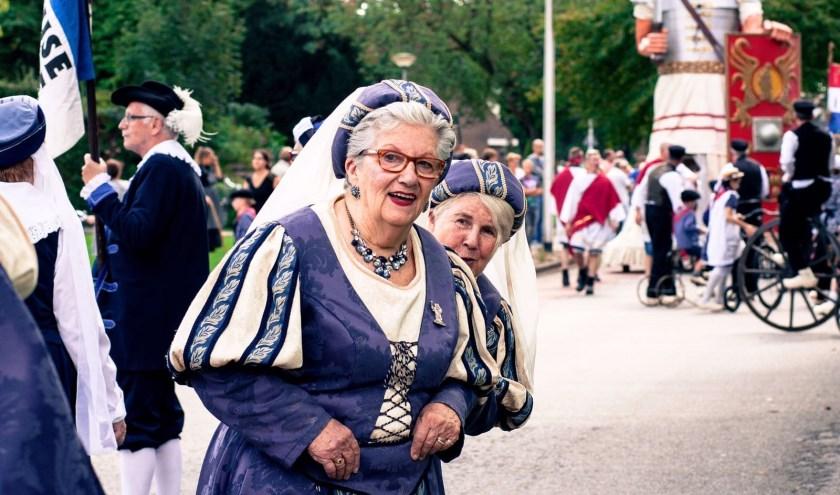 """Volop gezelligheid op de Brueghel. Binnenkort is het zover. """"We staan in de startblokken voor een grandioos feest"""", aldus Sandra Tiethoff."""