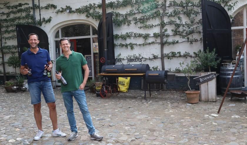 De Smaakmakers van Kasteel Tongelaar en de brouwers van Kasteelbrouwerij De Blauwe Knoop werken samen. (foto: Marco van den Broek)
