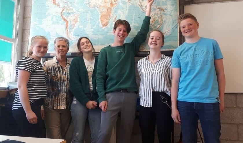 Vita Luijten, Germaine van Roemburg, Anouck Gaanderse, Owen Monster, Dominique Hoogteijling en Sander Smits.