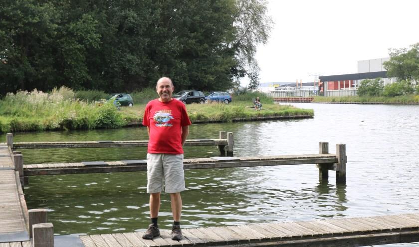 """Sjef van Hoorn reageerde bescheiden:"""" Noem mij geen havenmeester, ik ben een terreinbeheerder."""" (Foto: Arjen Dieperink)"""