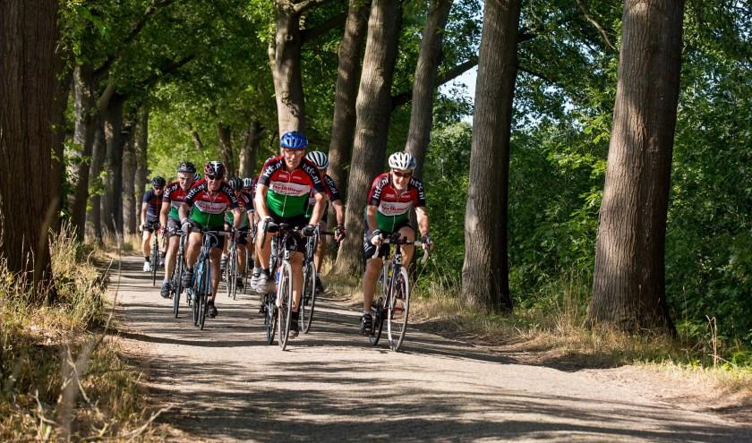 Het is traditioneel een van de eerste tochten die de toerfietsers uit Twente en de Achterhoek voor de kiezen krijgen en vooral daarom is de Schwarzwaldtour uitgegroeid tot een klassieker.