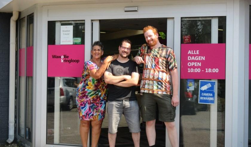 Irma, Bram en Sean van kringloopwinkel Wawollie. Tekst en foto: Ria van Vredendaal