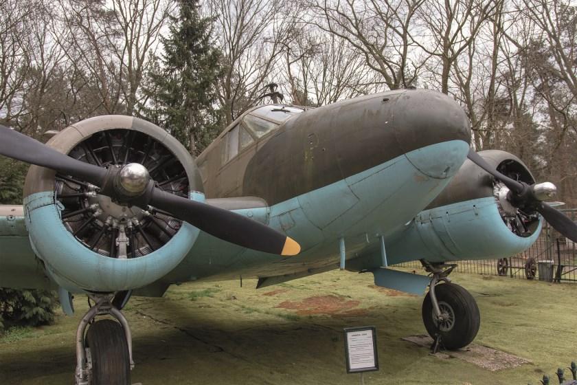 Eigenaar Eef Peters is met zijn Arnhemse Oorlogsmuseum 25 jaar gevestigd op de Kemperbergerweg 780.