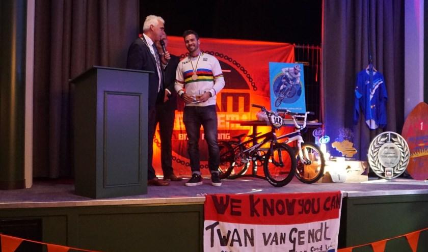 Twan van Gendt werd zaterdag gehuldigd in De Boxhof in Velddriel.