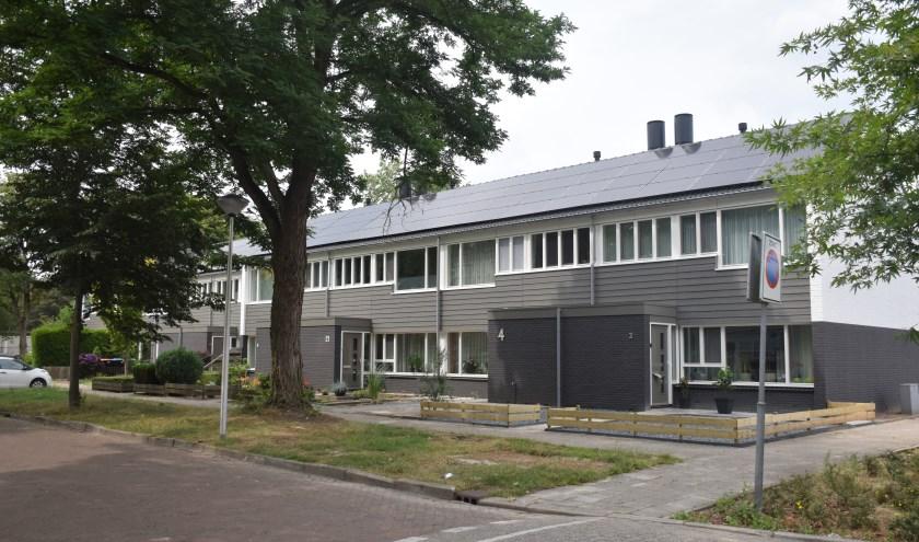 Door de verduurzaming hebben de huizen aan de Schubertstraat een nieuwe uitstraling gekregen. (Foto: Reggewoon)