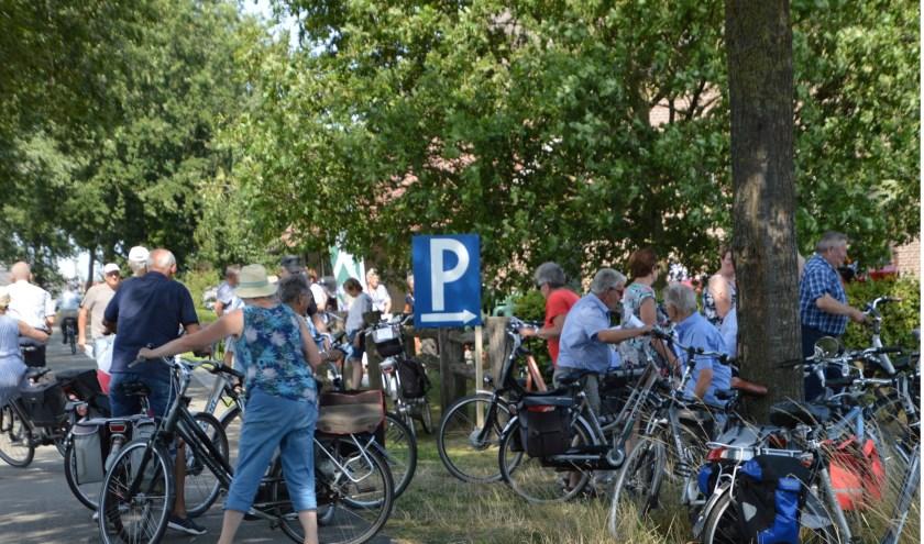 Er was grote belangstelling voor de gezellige fietstochten.