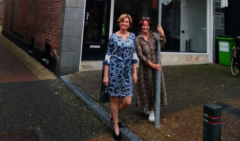 Initiatiefnemers Gerdien Koedijk en  Marijanne Agteres hebben gezorgd voor het Inloophuis in het centrum. (Foto: Paul Agteres)