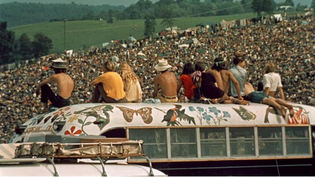 Three days of peace and music: de documentaire Woodstock is eenmalig terug in de Nederlandse bioscopen. ZINema draait hem zondag. Foto:  © DPG Media