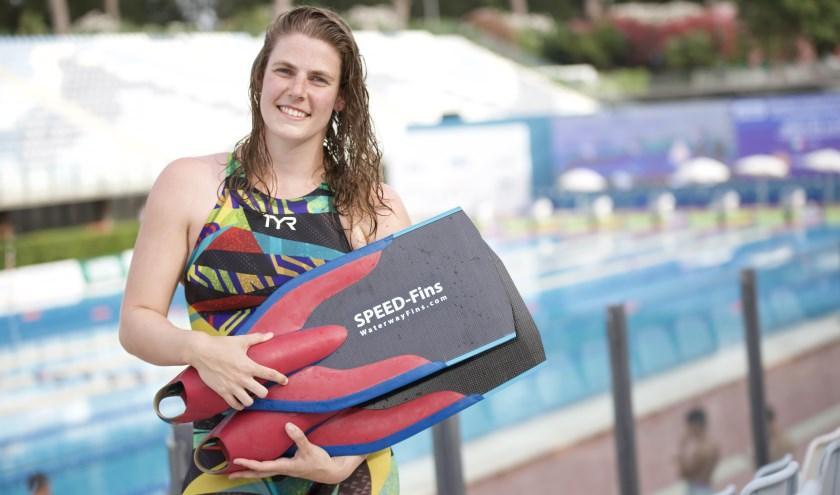 Life saver Ela Hutten zwemt de City Swim (foto: Vinnie de Laat van Click United)