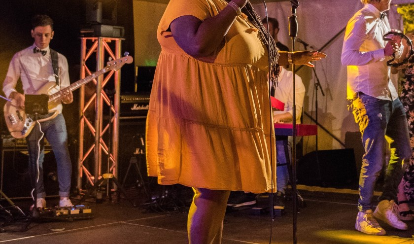 Muziekfestival Nigtevecht met een imponerend optreden van Shirma Rouse. Tekst: Rens Ulijn, foto: Herman Rensenbrink
