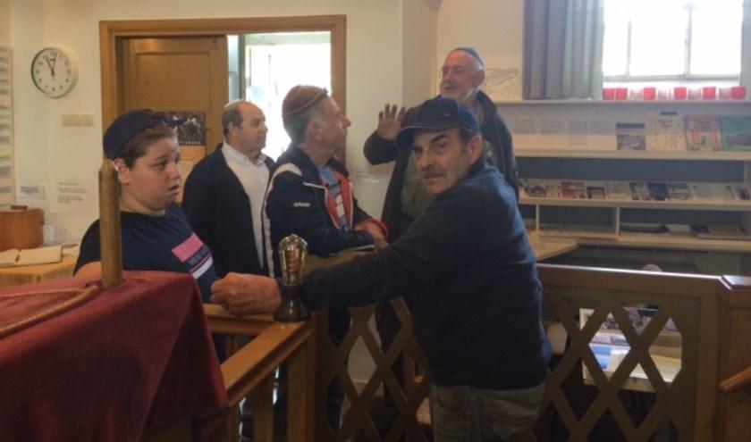 Saab-liefhebbers bezoeken Synagoge Aalten.