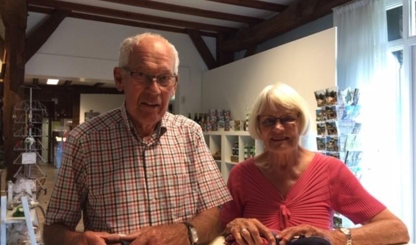 Na vijftien jaar zijn meneer en mevrouw Meijer terug in De Lutte. Ze hopen hier weer van een mooie vakantie te genieten.
