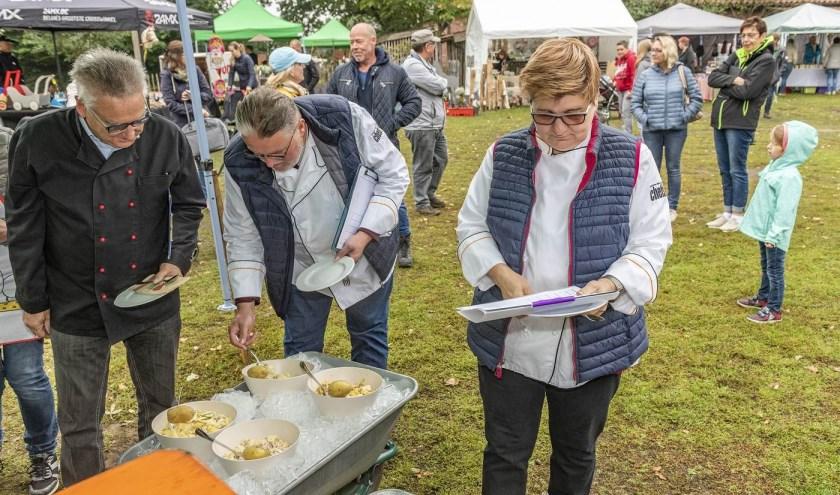Vorig jaar draaide het om Kartoffelsalat, dit jaar om appeltaart. En dat maakt de wedstrijd nog wat euregionaler. Gehoopt wordt op recepten van beide kanten van de grens. Foto: Franz Frieling