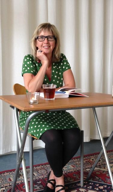 Lia Hesemans is eindredacteur en schrijfcoach en verzorgt twee schrijfcafé's in de bibliotheek.