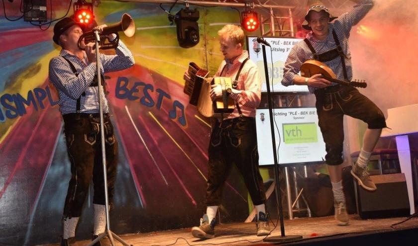 In verband met nieuwe onderdeel kan het publiek dit jaar genieten van acht playbackacts. (Foto: Stichting Plé-Bek bie Hek)