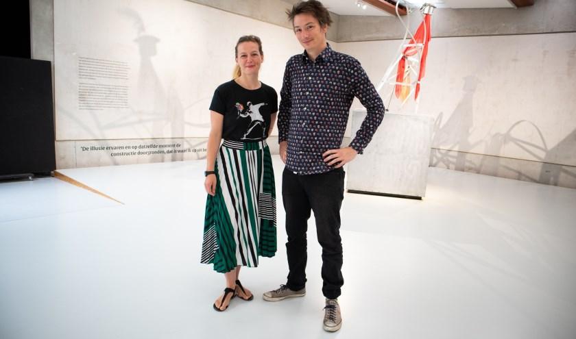 Marie Janin enAike Luetkemoeller zijn dolenthousiast over 'hun' Museumnacht Enschede. Ze wisten in korte tijd de culturele sector aan het concept te binden.