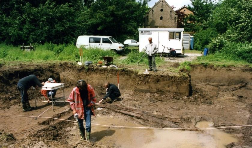 Al in de tweede eeuw was Capelle een boerendorpje. Dat blijkt uit voorwerpen die in 1984 zijn opgegraven bij het begin van de Slotlaan.