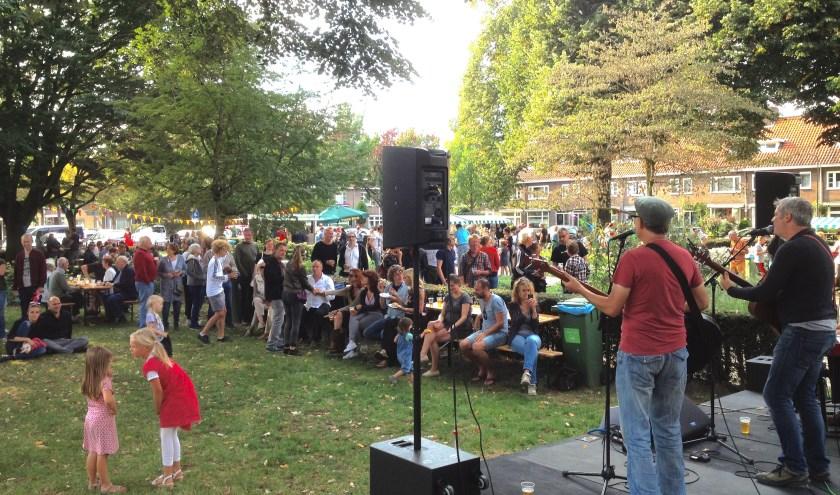 Theresia's Stinkend Gezellige Knoflookfeest is zondag 1 september van 14.00 tot 20.00 uur op het Theresiaplein.