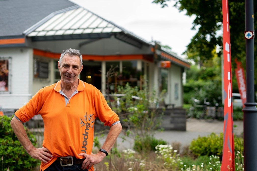 Gerrit-Jan Brinkman is helemaal op z'n plek bij de Superrr in Almen.  © DPG Media