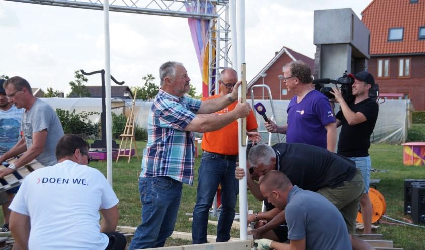De inwoners van Nieuwaal hebben donderdag hard gewerkt om de punten binnen te halen tijdens Zomer in Gelderland. Door hun harde werk staan ze nu eerste!