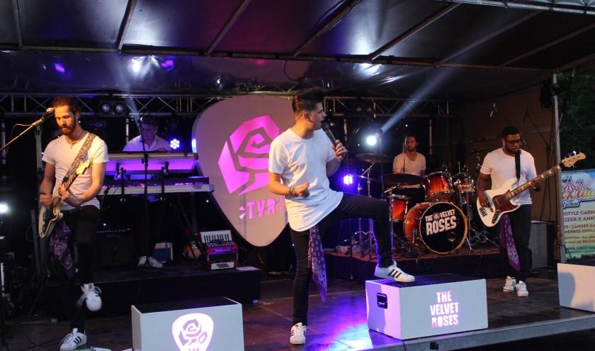 De Velvet Roses verheugen zich op hun optreden bij het 24-Uurs Solexrace Festival en zijn er klaar voor. Foto: Wendy van Lijssel