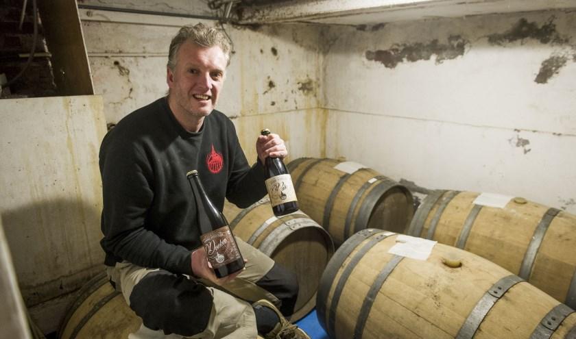 Oscar Moerman enkele jaren geleden. Toen brouwde hij z'n bier op een andere locatie, nu heeft hij z'n eigen brouwerij in Enschede.