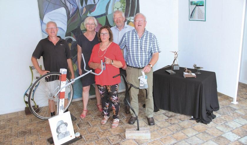V.l.n.r.: Henk Peelen, Maria Peelen, Annelien Poodt-Peelen, Jan Peelen en Piet Peelen.