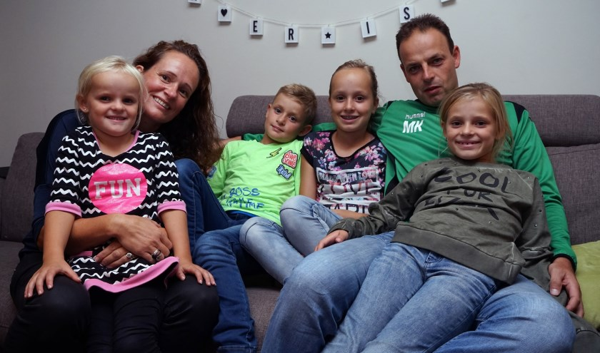 Michel Kuijpers met vrouw Marloes en hun kinderen Evi, Sten, Maud en Tess.
