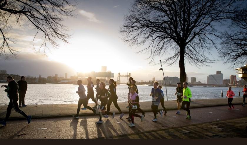 DSW Bruggenloop Rotterdam 2018, altijd een garantie voor mooie plaatjes. (Foto Bart Hoogveld)