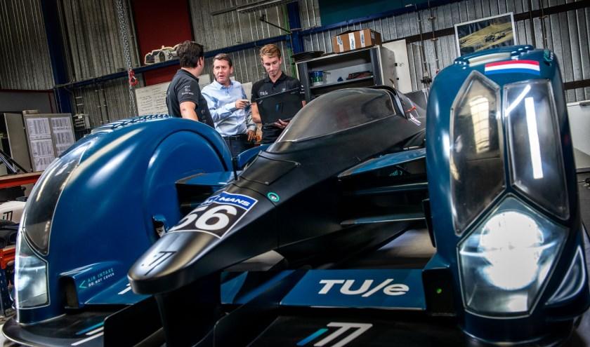 Op de foto v.l.n.r. Noud Schoenmakers, Pieter Michielsen en de nieuwe teammanager Mark Willemsz.