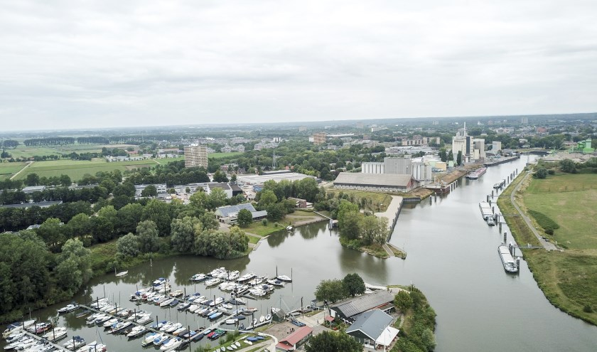 Er komt geen grote zwemplas in de zogeheten Driehoek tussen de Rijnhaven, de Pabstendam en de Neder-Rijn.(foto: Antonio Mulder)
