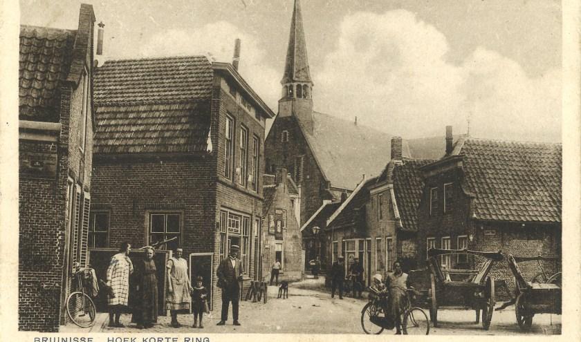 Korte Ring met de oorspronkelijke kerk. FOTO: Collectie Henk Kok