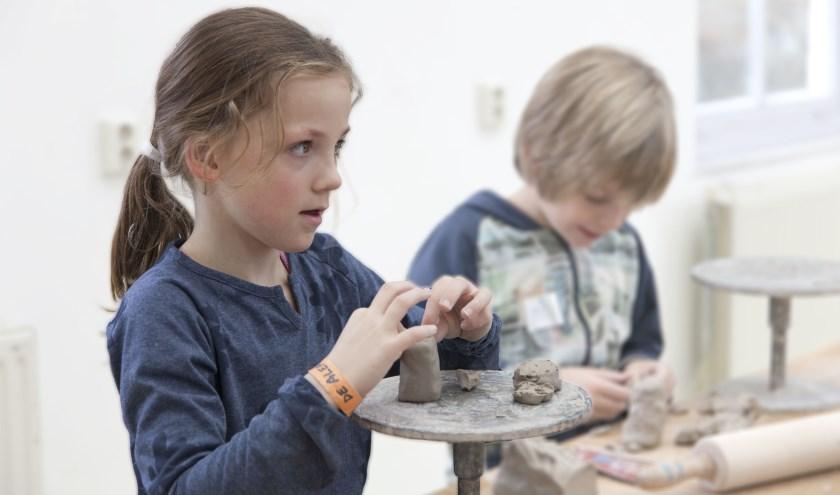 Ook dit jaar kunnen cursisten van het Pieck - jong én oud - weer creatief bezig zijn en kiezen uit een breed aanbod cursussen.