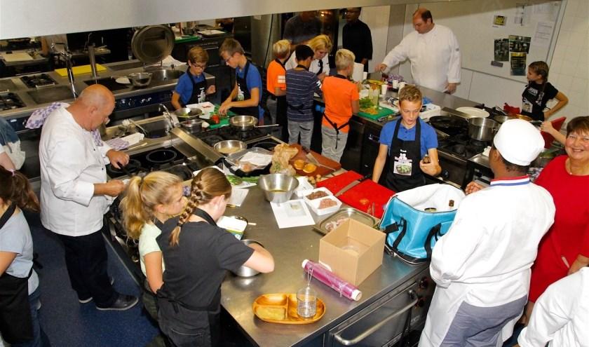 De Keukenbazen Battle, de leukste en spannendste kookwedstrijd voor kinderen van 10 tot 12 jaar uit Noordoost Brabant, is gestart. (foto: Maja vd Brink)