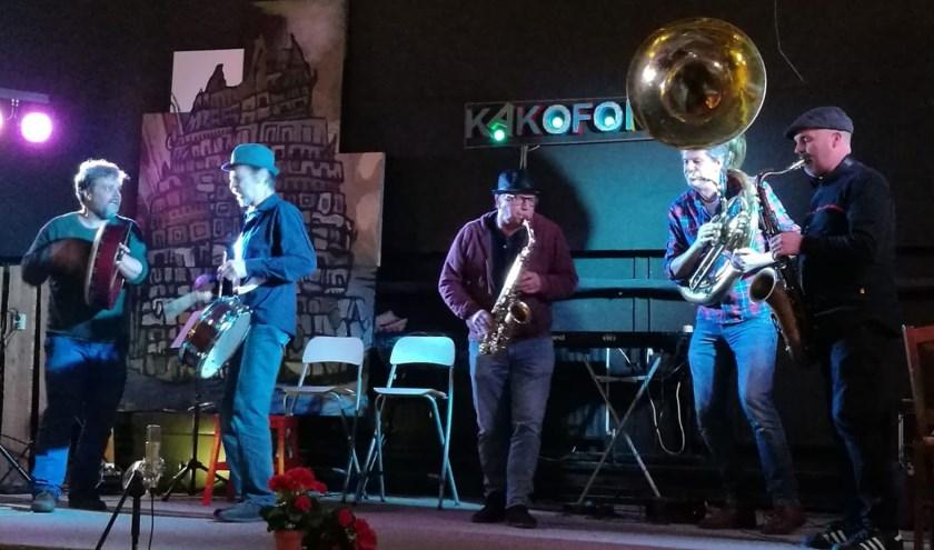 STMPPT zorgt zondag tijdens de officiële opening voor jazzy improvisatie.