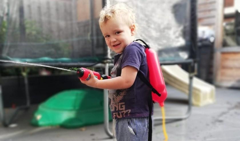 Davinoy Job El-Haouli uit Waalwijk is de Jarige van de Week. Hij wordt vandaag vier jaar oud.