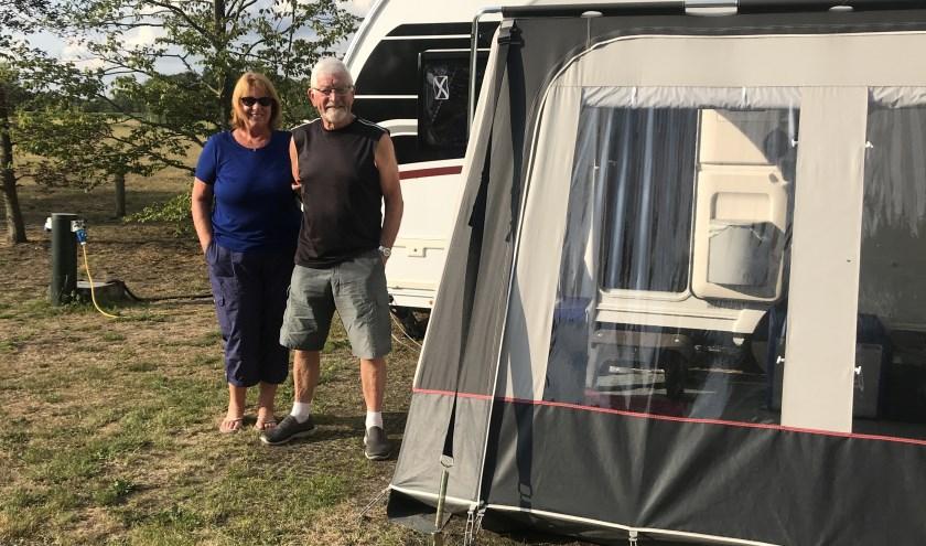 Bob en Diana 'from Scotland' verblijven al jaren zeven weken op camping de Beek in Buurse.