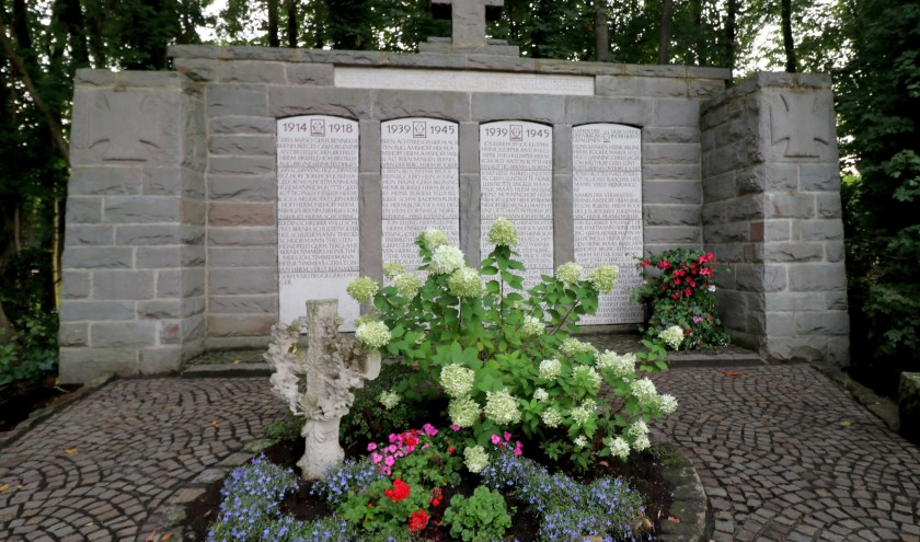 In Epe worden met een monument de slachtoffers van de oorlogen 1914-1918 en 1940-1945 herdacht.