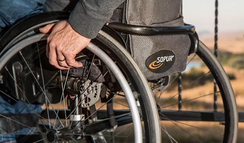 <p>Beland in een rolstoel. Het leidt op den duur in Veenendaal tot een ingewikkelde situatie met de gemeente. De PvdA Veenendaal stelt er vragen over.(Foto: PR)</p>