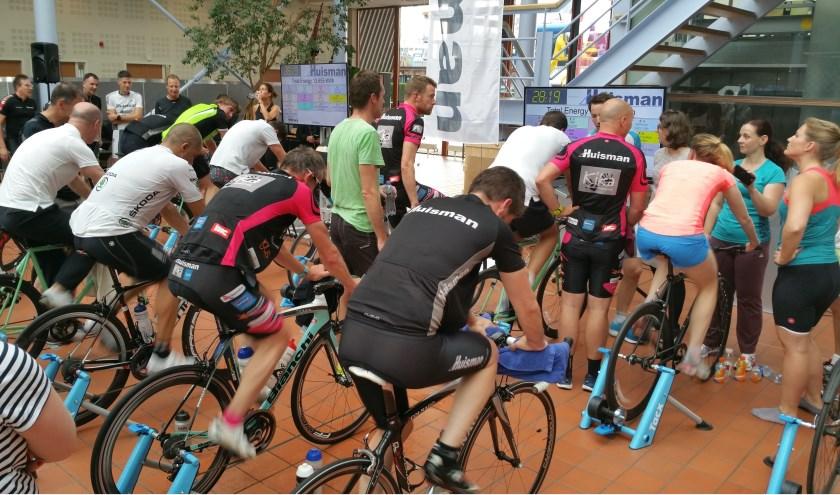Indoor fietsevent met Tacx fietstrainers in 2018. Foto: Wiltraco
