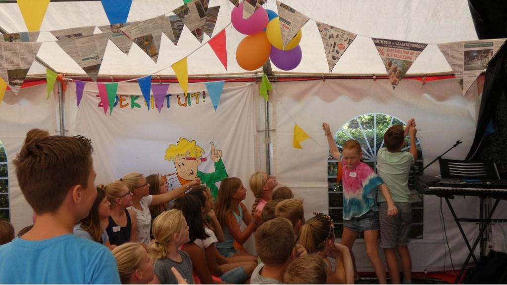 Competitiespel tienertent Foto: Nelleke Brenkman © DPG Media