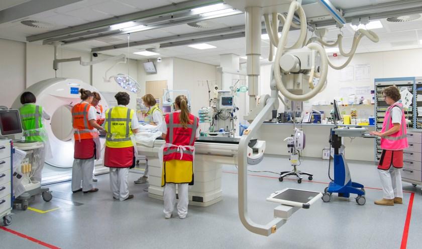 Het traumateam van het ETZ is 24/7 aanwezig om ongevalspatiënten te behandelen. foto: ETZ Fotografie & Film