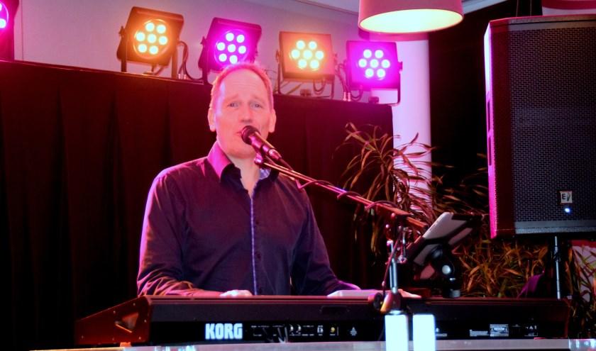 De muzikale omlijsting is in handen van René Goossens. (foto: persfoto)