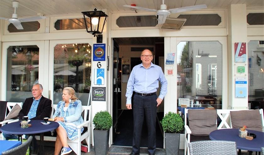 Bij Boy Wolswijk van Hotel De Kroon aan de Rijkesluisstraat stroomt het horecabloed door de aderen. Het hotelvak kent hij als zijn broekzak.
