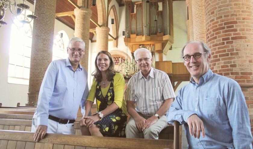 SOIJ - René Verwer, Jannie Gerritsen, Jan de Geus en Gerrit Christiaan de Gier - zetten de kerkorgels in het zonnetje. (Foto: Lysette Verwegen)